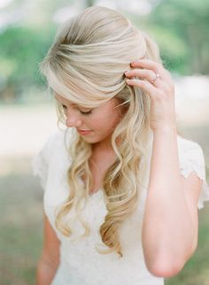 Wedding Hair Down - Central Florida Southern Wedding from Kt Crabb Photography Wedding Hairstyles Half Up Half Down, Best Wedding Hairstyles, Wedding Hair Down, Wedding Hair And Makeup, Wedding Updo, Hair Makeup, Bridesmaid Hairstyles, Southern Wedding Hairstyles, Half Updo