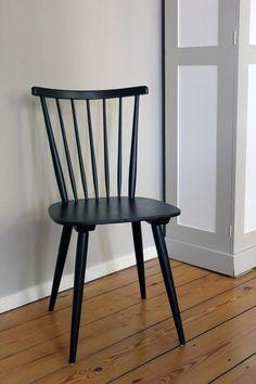 Stuhl #PitchBlack, No 256  Schrank #OxfordStone, No 264