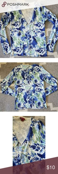Nwot XS Merona blue floral cardigan *NWOT XS (but can also fit a S, as that's what I am normally) Merona blue, green & white floral cardigan. *Perfect for spring & to pair with a maxi, pencil dress, shorts & tank and/or jeans! *Smoke &pet free home Merona Sweaters Cardigans