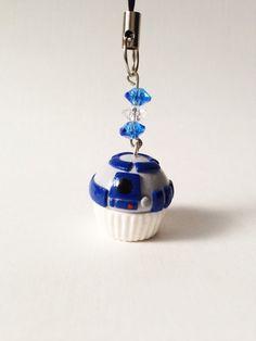 R2D2 star wars cupcake charm http://www.etsy.com/listing/119598490/r2d2-star-wars-inspired-cupcake-polymer