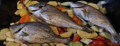 Impara la ricetta di Branzino con peperoni e patate in agrodolce e porta a tavola un piatto gustoso per i tuoi ospiti. Scopri tutte le nostre ricette di cucina!