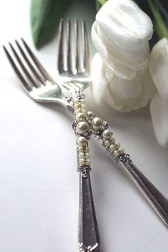 IDEA -Vintage Beaded Ivory Pearl Wedding Cake Forks ♥