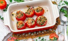Fyllda tomater Provencale Bruschetta, Lchf, Food And Drink, Stuffed Peppers, Vegetables, Ethnic Recipes, Watch, Clock, Stuffed Pepper