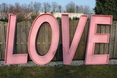 Piepschuim letters voor de Lovegarden keukenhof 2014 Modern, Neon Signs, Logos, Trendy Tree, Logo