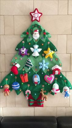 Craft for toddlers christmas felt tree 62 ideas. Kids will love this Christmas Felt tree. They enjoy creating their Christmas tree. Small Christmas Trees, Handmade Christmas Decorations, Felt Decorations, Felt Christmas Ornaments, Christmas Tree For Toddlers, Toddler Christmas, Xmas Tree, Christmas Stockings, Christmas Sewing