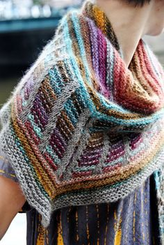 Free knitting pattern for Stephen West shawl. Great for multi-color yarn or stash busting. Stephen's designs are amazing and they usually cost money (worth it) so this is a treasure. Metalouse shawl : Knitty Winter 2012