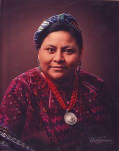 Rigoberta Menchu,  líder indígena guatemalteca, la gran defensora de los derechos humanos en América.