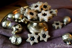 Mohn-Sterne mit Pflaumenmus