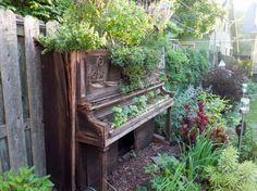 garden piano