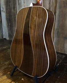 Built to commemorate the anniversary of the introduction of the this limited edition features a back with stylish wave-shaped. Martin Acoustic Guitar, Martin Guitars, Acoustic Guitars, Guitar Design, 50th Anniversary, Music Stuff, Theater, Top 14, Musical Instruments