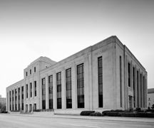 "The ""stripped classical"" style of the Sioux City, Iowa federal building & courthouse is typical of many, many federal buildings constructed in the 1930s - a time when many, many federal buildings were constructed. If you look at the Federal Reserve building, the Cotton Annex and others we will add to this board you will note the design similarities."