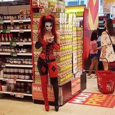 Hmm.. so what's on the grocery shopping list ✌ #whatsfordinner #shoppingtime #grocerystore #latex #fetishmodel #latexmodel #harleyquinn #dccomics #starfucked