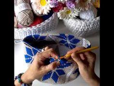 with Olé olé el Tapestry crochet! sepet örgüsü by serap_ile_elsanatlari Chat Crochet, Crochet Diy, Crochet Geek, Crochet Stitches, Crochet Mittens, Knitting Videos, Crochet Videos, Crochet Handbags, Crochet Purses