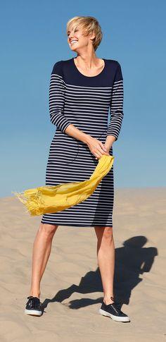 Ein himmliches Vergnügen: Erobert die Farbe Blau auch Ihr Modeherz? #Mode #Blau