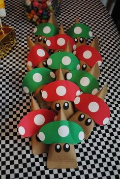 Super Mario Bros Party Favors Nivens this is for you! Super Mario Bros, Super Mario Birthday, Mario Birthday Party, Super Mario Party, Boy Birthday Parties, Birthday Ideas, Party Gifts, Party Favors, Video Game Party