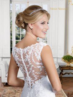 Cecília - Poème 11 #vestidosdenoiva #noiva #vestidodenoiva #bride #wedding #casamento #weddingdress #weddingdresses #bridaldress