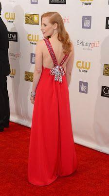 Pactar con el Diablo por...: Critics' Choice Awards 2013. Los Mejores Looks son para Anne Hathaway, Jessica Chastain y Emily Blunt