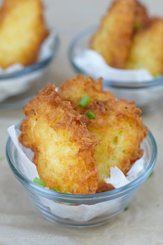Yuca Fritters ~ A delicious and simple recipe that makes a great snack, appetizer or a second side dish for any meal!Yuca Fritters ~ A delicious and simple recipe that makes a great snack, appetizer or a second side dish for any meal! Yuca Recipes, Cooking Recipes, Healthy Recipes, Comida Boricua, Puerto Rico Food, Crudite, Spanish Dishes, Spanish Meals, Colombian Food