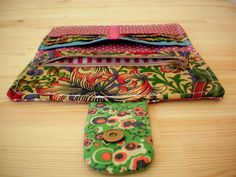 Project Forty Five: Sewing a Wallet for my Lil' Sister Sewing Patterns Free, Sewing Tutorials, Sewing Projects, Free Sewing, Sewing Ideas, Sew Wallet, Card Wallet, Tote Purse, Purse Wallet