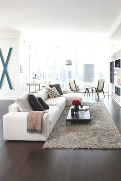 Adding-Visual-Interest-to-a-Sofa.jpg (600×900)