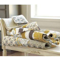 love the #bedroom design #bedroom decor #BedRoom| http://awesome-bedroom-designs-gallery.blogspot.com