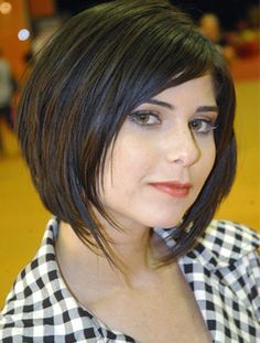 Women& Round Haircut Women& Round Haircut Learn how to choose the ideal round face female haircut Hairstyles For Fat Faces, Short Hairstyles For Women, Bob Hairstyles, Straight Hairstyles, Woman Hairstyles, Popular Hairstyles, Round Haircut, Round Face Haircuts, Short Straight Hair