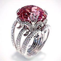 Rosamaria G Frangini | High Pink Jewellery | Scavia
