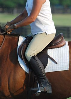 """Do you push off your feet in rising trot? Tend to fall back into the saddle? Ride the """"down beat""""? Have difficulty getting your horse to lengthen his trot stride? Alternating between changing your diagonals sitting and rising can help. When you can maintain your balance and keep to a steady rhythm your horse's trot…"""