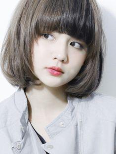 Tóc ngắn duỗi cúp mang đến vẻ đẹp trẻ trung và trong trẻo cho phái đẹp.