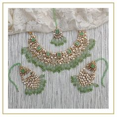 Indian Bridal Jewelry Sets, Indian Jewelry Earrings, Jewelry Design Earrings, Wedding Jewelry Sets, Wedding Accessories, Dangle Earrings, Jewelery, Antique Jewellery Designs, Fancy Jewellery