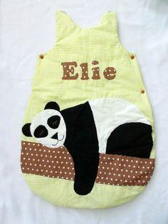 Turbulette personnalisée sur le thème du panda pour un petit Elie  http://www.rayuresetpois.com