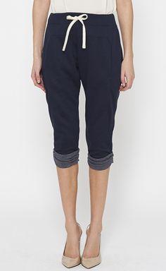 drawstring pants and pumps. love this look.