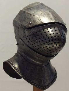 Great Bascinet.  1430-1440  Possibly Burgundian   Musée de l'Armée  inv. PO638.   Paris. France        more photo