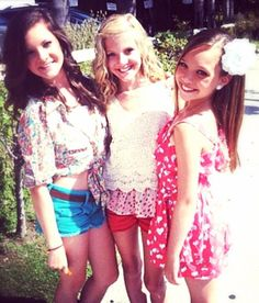 Brooke, Paige and Maddie Brooke Hyland, Dance Moms Girls, Show Dance, The Perfect Girl, Maddie Ziegler, Dance Pictures, Best Shows Ever, These Girls, Pretty Little Liars