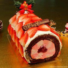 Strawberry jelly roll cake