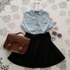 Saia rodada godê cintura alta preta + colete jeans + colar com pedraria +  oculos… da3769f5f804c