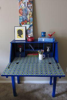 Inspired Whims: Secretary Desk Transformation. Love the paper inside, so doing this when I refinish my secretary desk! Refurbished Furniture, Repurposed Furniture, Vintage Furniture, Painted Furniture, Furniture Refinishing, Furniture Ideas, Painted Secretary Desks, Antique Secretary Desks, Desk Redo