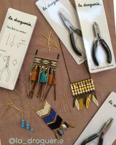 On profite des vacances pour se perfectionner sur le montage avec les tiges #ladroguerie #tiges #collier #bijoux #summer #diy #handmade #pinces #couleurs #ete