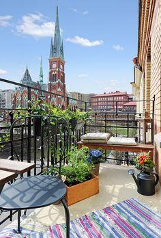 cozy balcony...working on it!