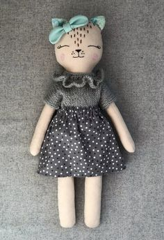 Ambrosial Make a Stuffed Animal Ideas. Fantasting Make a Stuffed Animal Ideas. Sock Dolls, Felt Dolls, Baby Dolls, Sewing Stuffed Animals, Stuffed Animal Cat, Felt Doll Patterns, Homemade Dolls, Baby Doll Accessories, Fabric Animals
