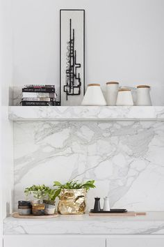 Dream kitchen ~ Beautiful grey & white marble - gold bag