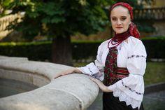Gyimesi népviselet - MTI Fotó: Balogh Zoltán Folk Dance, Hungary, Folk Art, Culture, Costumes, Pictures, Beauty, Photos, Popular Art