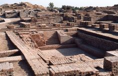 Awesome & Mysterious Discoveries Found on Earth. #7 is Unbelievable! ~discovered in 1920 the 490 acre 'Mohenjo-Dari settlement in Pakistan ca.2500 BC