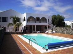 Casa Kernow (Apt 3) - 2 Bed Apartment for rent in Playa Honda Lanzarote sleeps up to 6 from £400 / €0 a week