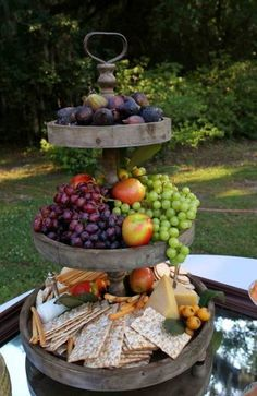 13 great healthy wedding cake alternatives - Wine and Cheese - Mariage Party Platters, Party Buffet, Party Trays, Raw Vegan Cake, Deco Buffet, Wedding Cake Alternatives, Cheese Alternatives, Wine And Cheese Party, Wine Cheese