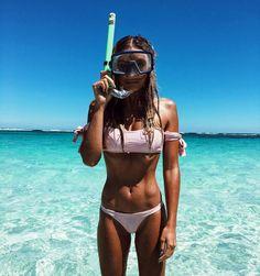 """9,688 Me gusta, 103 comentarios - Hannah Perera (@hannah_perera) en Instagram: """"Snorkel time @annaswimwear @balibody"""""""