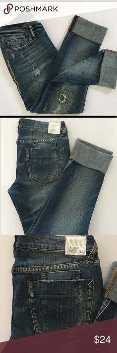 Future favorites ankles jeans 2070 super skinny Future favorites ankles jeans 2070 super skinny factory distressed. Like new conditions size 9 future favorites Jeans Ankle & Cropped