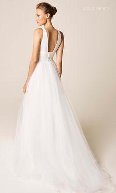Stunning Wedding Dresses, Dream Wedding Dresses, Wedding Gowns, Our Wedding, Wedding Dress With Feathers, Weeding Dress, Wedding Bells, Dress Making, Elegant