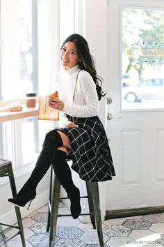 Work Attire: fall / winter - street style - street chic style - casual outfits - black windowpane circle skirt + white turtleneck sweater + black heeled over the knee boots + black shoulder bag Fall Winter Outfits, Autumn Winter Fashion, Winter Chic, Casual Winter, Winter Shoes, Classy Fall Outfits, Winter Outfits With Skirts, Church Outfit Winter, Dress Winter