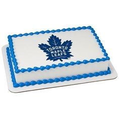 Leafs fans will love to get a Toronto Maple Leafs NHL Edible Cake Topper for any celebration. Be sure to include a personalized message! Small Cupcakes, Oreo Cupcakes, Cupcake Cookies, Mini Cupcakes, Toronto Maple Leafs Logo, Hockey Birthday Cake, Birthday Cakes, Baseball Birthday, 9th Birthday